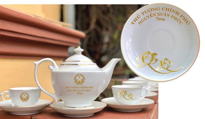 bộ ấm trà cao cấp ép kim thủ tướng_0